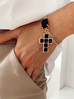 Bransoletka czarny krzyż BU0003