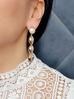 Kolczyki złote muszelki z perłami KOV0033