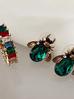 Kolczyki złote żuki z zielonymi kryształkami KMI0013