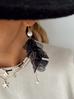 Kolczyki satynowe kwiaty czarne z perełkami KBL0323