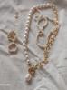 Naszyjnik z perłami hodowlanymi i łańcuchem NRG0160