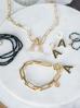 Kolczyki złote z kryształkami literka A KRG0585