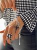 Bransoletka srebrna z łańcuchem i krzyżem BRG0131