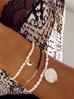 Bransoletka z pereł ze srebrnym księżycem  BPE0009
