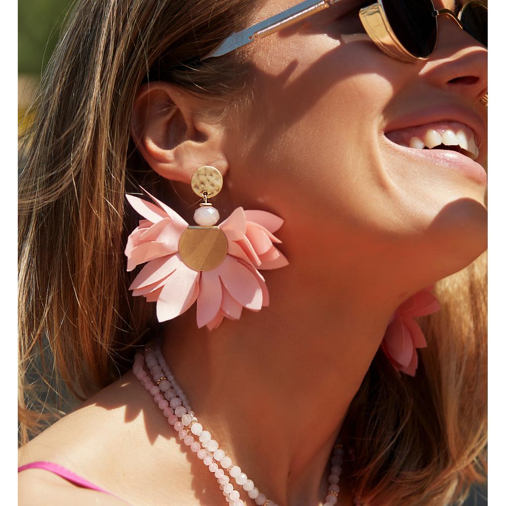 Kolczyki satynowe kwiaty jasno różowe KBL0534