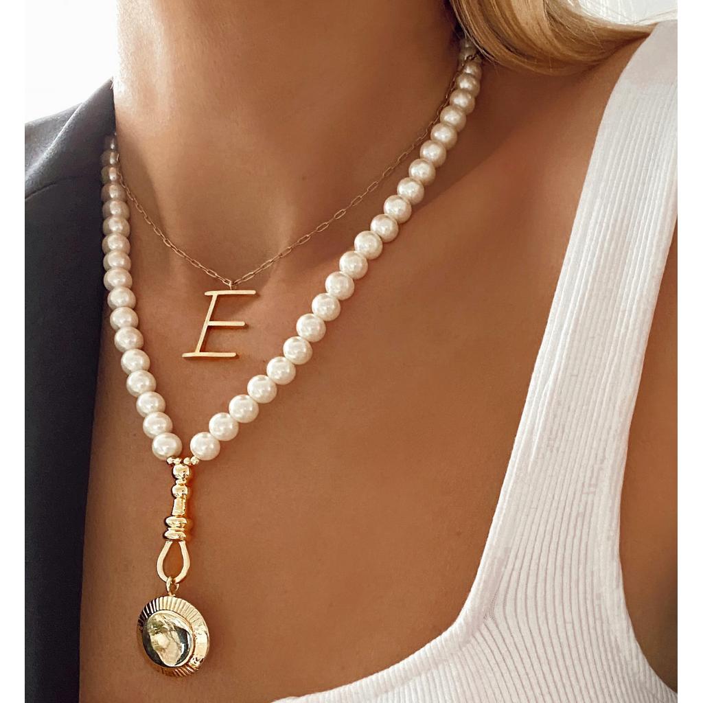 Naszyjnik z pereł   ze złotą zawieszką Aphrodite NPE0030