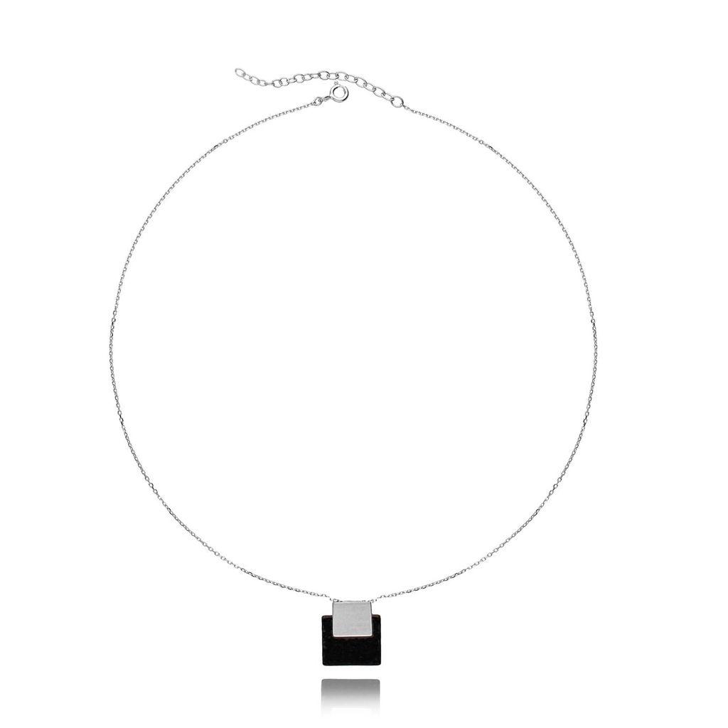 Naszyjnik srebrny z czarnym kamieniem NSE0065