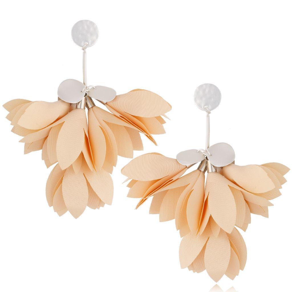Kolczyki satynowe kwiaty cieliste KBL0460