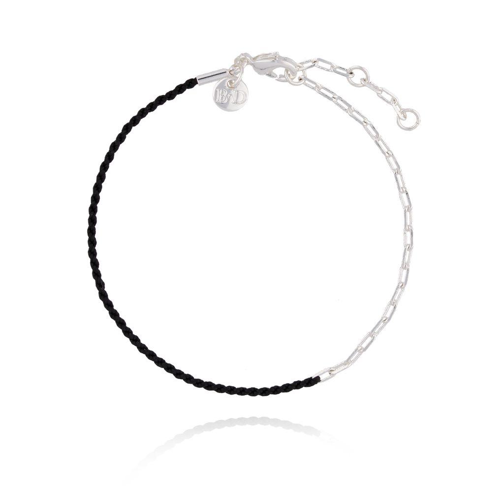 Bransoletka z czarnym sznurkiem i srebrnym łańcuszkiem BLB0071