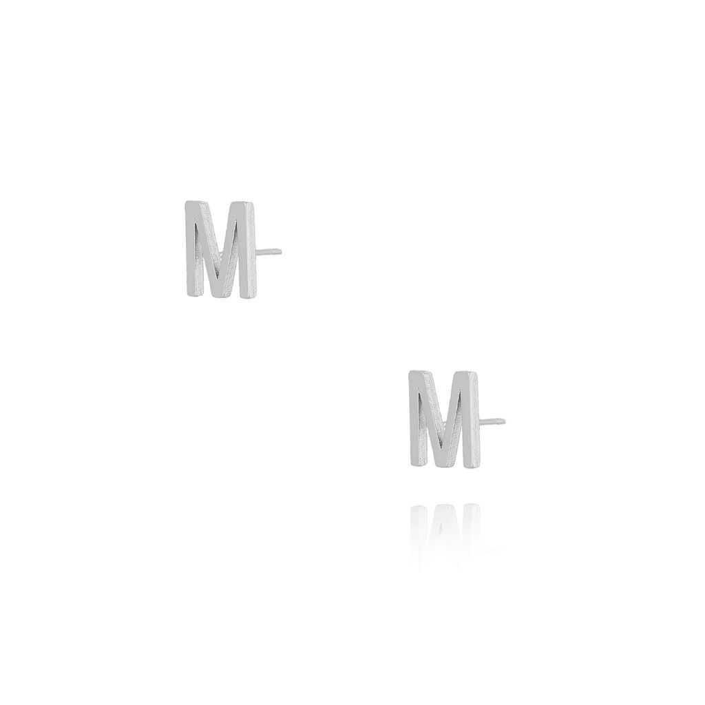 Kolczyki wkrętki z literką M srebrne KAT0016