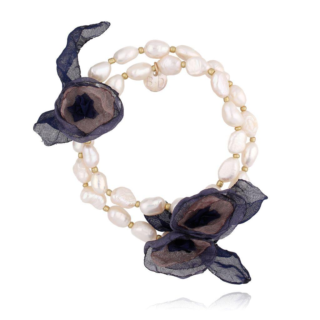 Bransoletka z perłami i granatowo brązowymi kwiatami  BBL0152