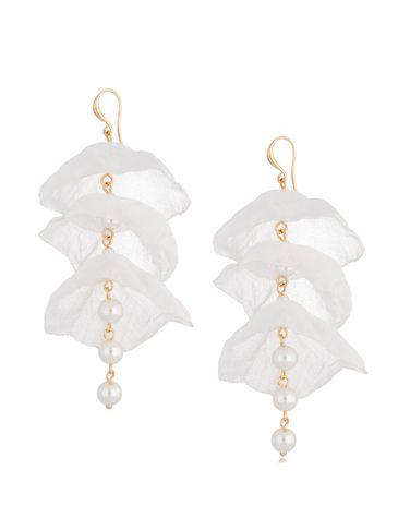 Kolczyki jedwabne kwiaty białe z perłami KBL0727