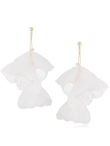 Kolczyki jedwabne kwiaty białe KBL0708