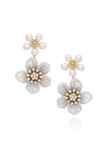 Kolczyki białe kwiaty z kryształkami KLI0016