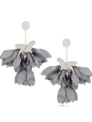 Kolczyki satynowe kwiaty jasno szare KBL0531