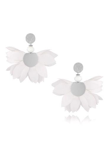 Kolczyki satynowe kwiaty białe KBL0439