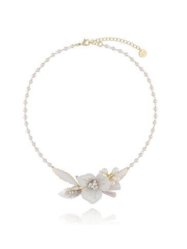 Naszyjnik z kwiatem i łańcuszkiem z perełkami NLI0004