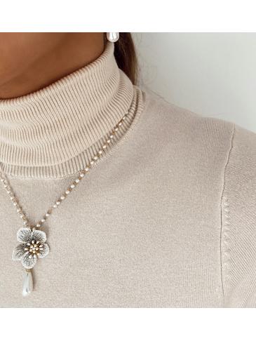 Naszyjnik z kwiatem i łańcuszkiem z perełkami NLI0001