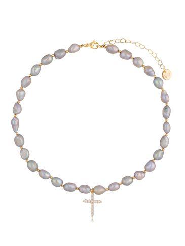 Naszyjnik z jasnych pereł z krzyżykiem Grey Pearls NPE0061