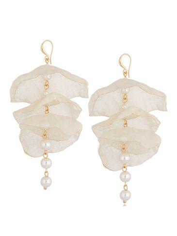 Kolczyki jedwabne kwiaty kremowe z perłami KBL0728